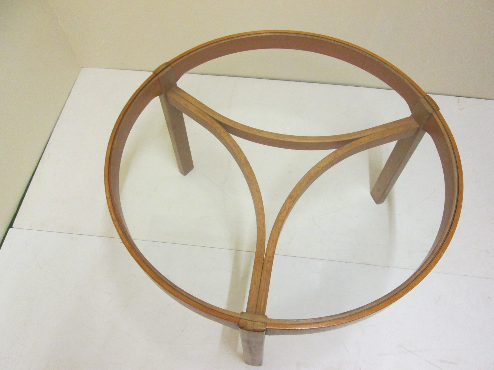 Vintage Teak Round Coffee Table With 3 Oval Nesting Tables
