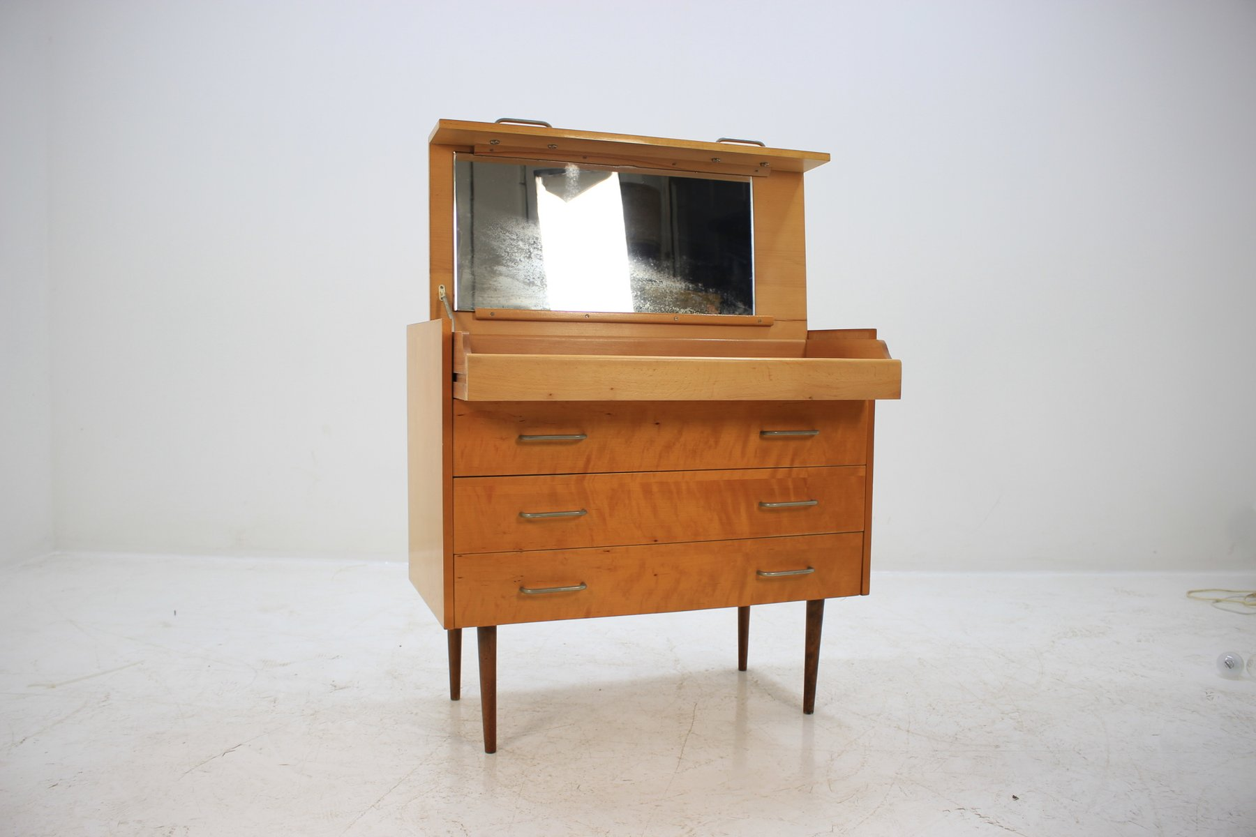 mid century kommode von up z vody 1960er bei pamono kaufen. Black Bedroom Furniture Sets. Home Design Ideas