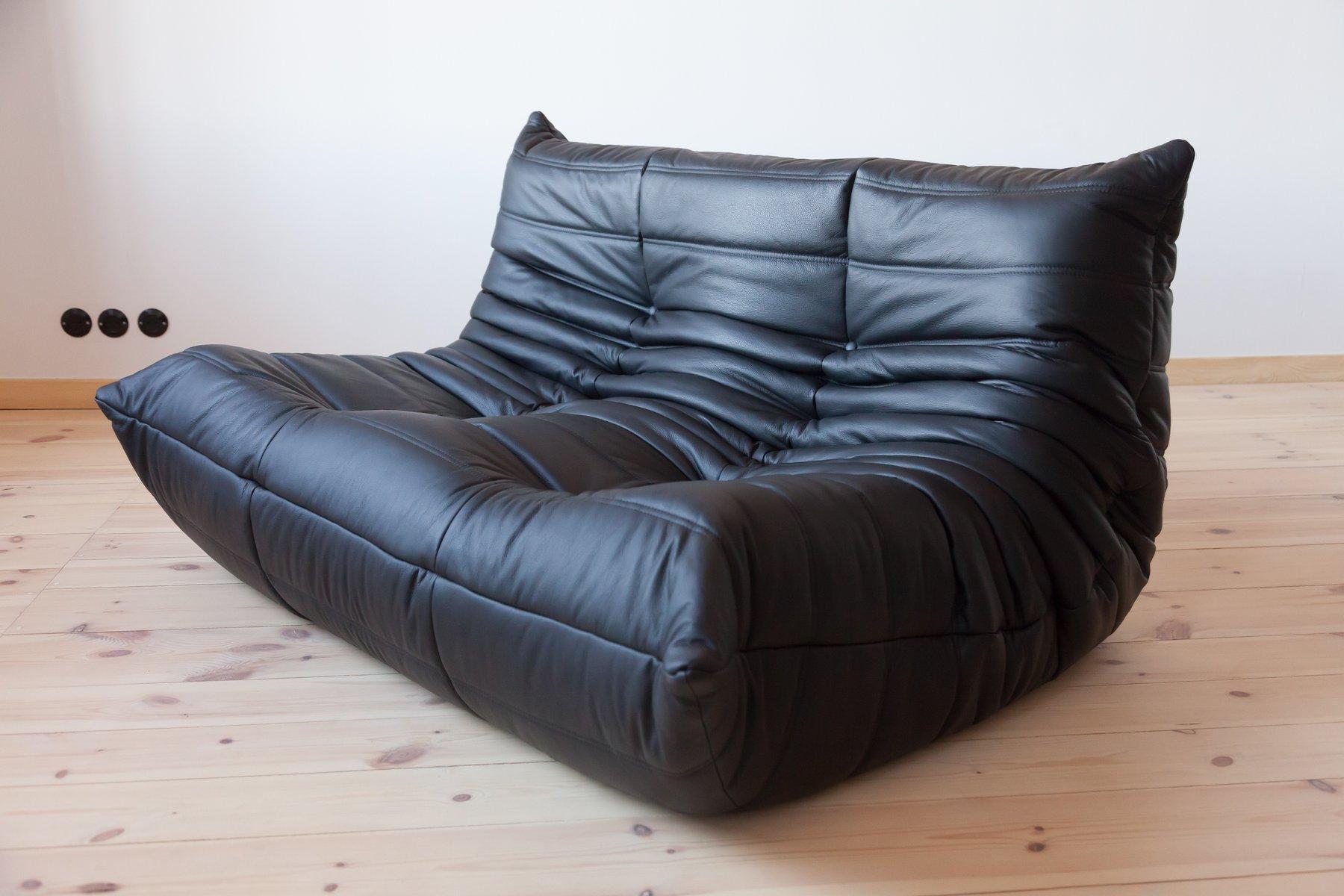 canap 2 places togo vintage en cuir noir par michel. Black Bedroom Furniture Sets. Home Design Ideas