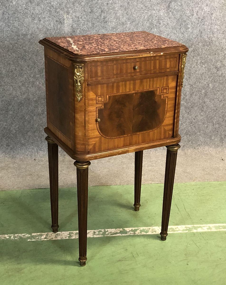 table de chevet antique en acajou en merisier en vente sur pamono. Black Bedroom Furniture Sets. Home Design Ideas