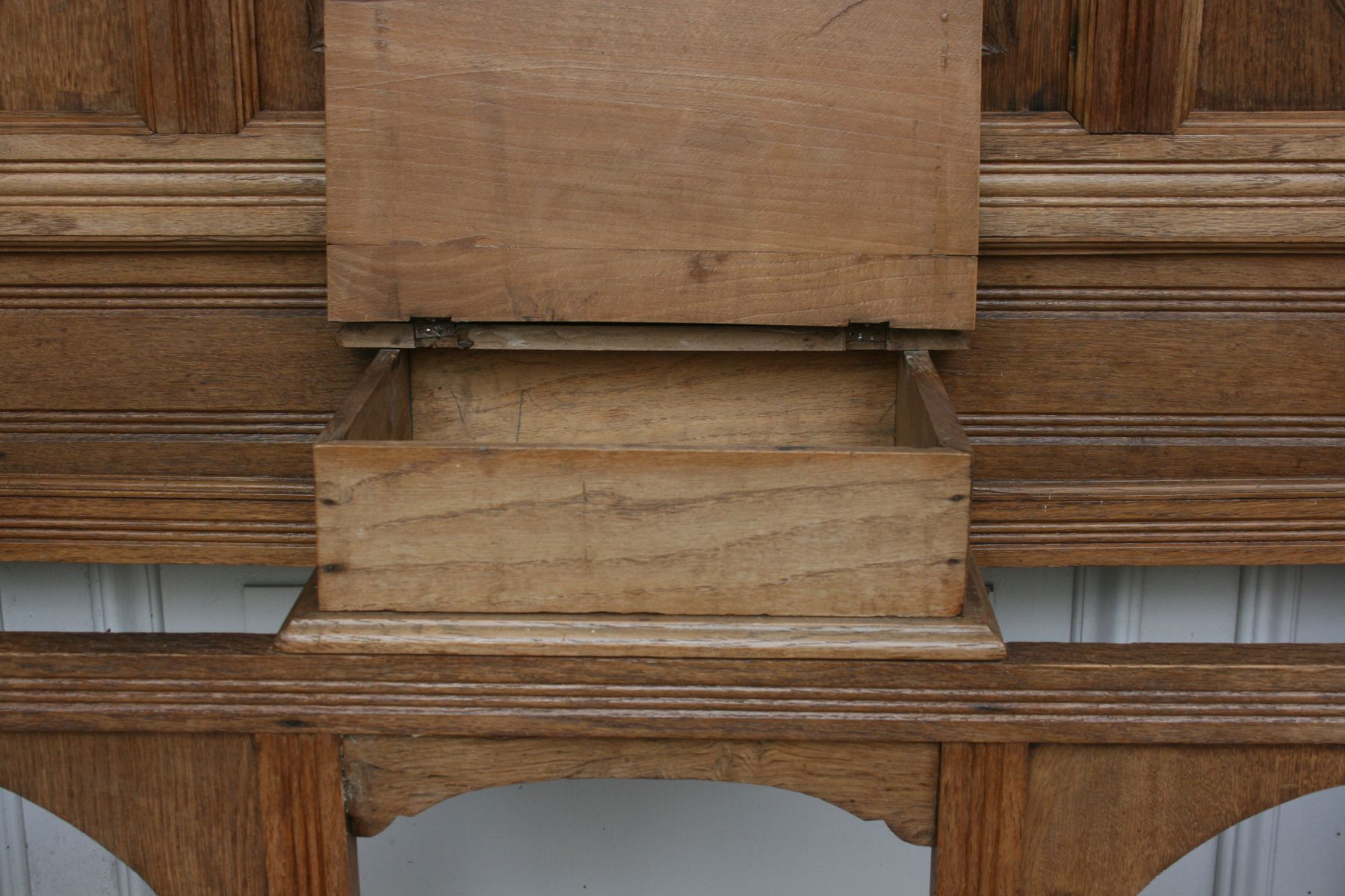 meuble d 39 entr e art nouveau en ch ne belgique 1920s en vente sur pamono. Black Bedroom Furniture Sets. Home Design Ideas