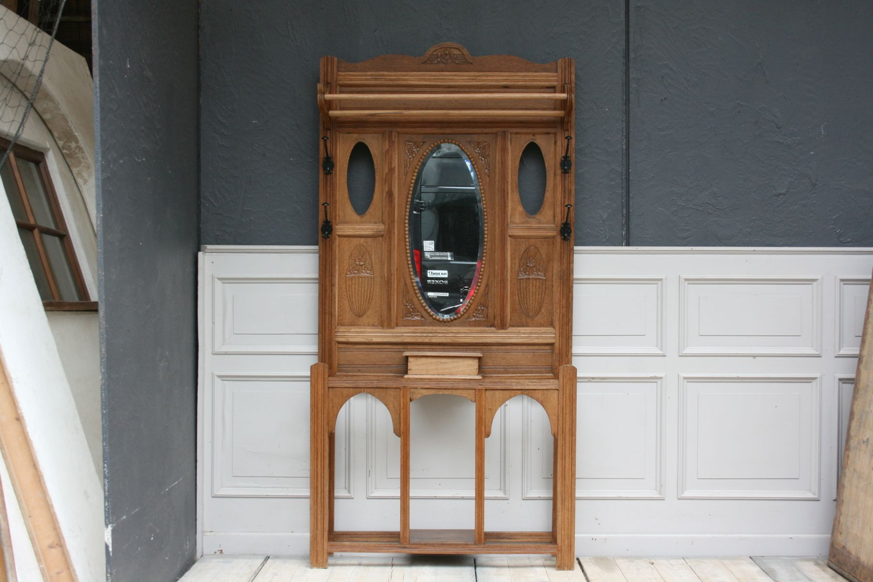 meuble d 39 entr e art nouveau en ch ne belgique 1920s en vente sur pamono. Black Bedroom Furniture Sets. Home Design Ideas