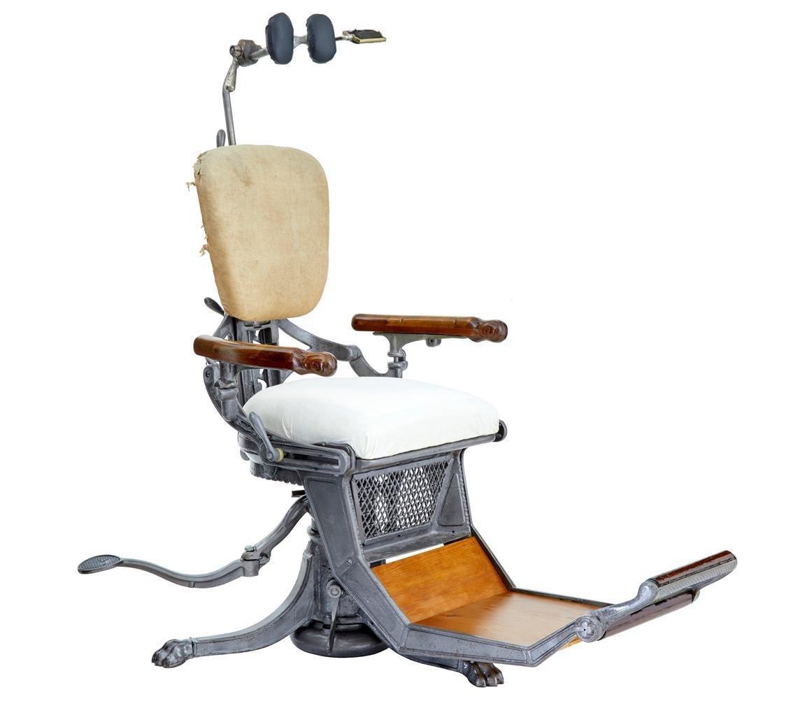 Sedia da dentista antica in ghisa, Stati Uniti in vendita ...