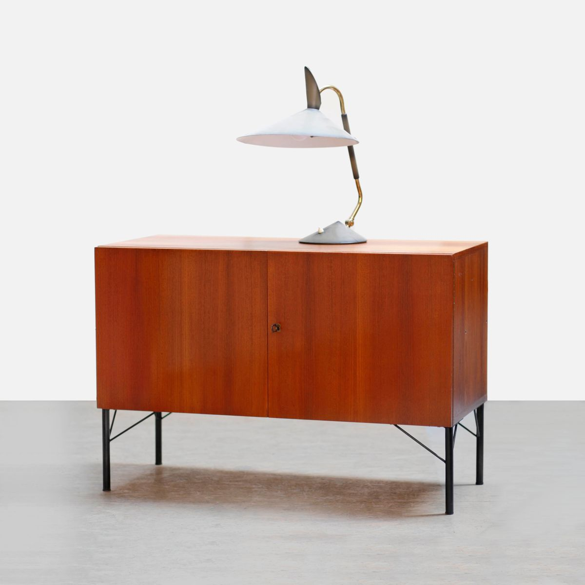 mid century kommode aus teak 1960er bei pamono kaufen. Black Bedroom Furniture Sets. Home Design Ideas