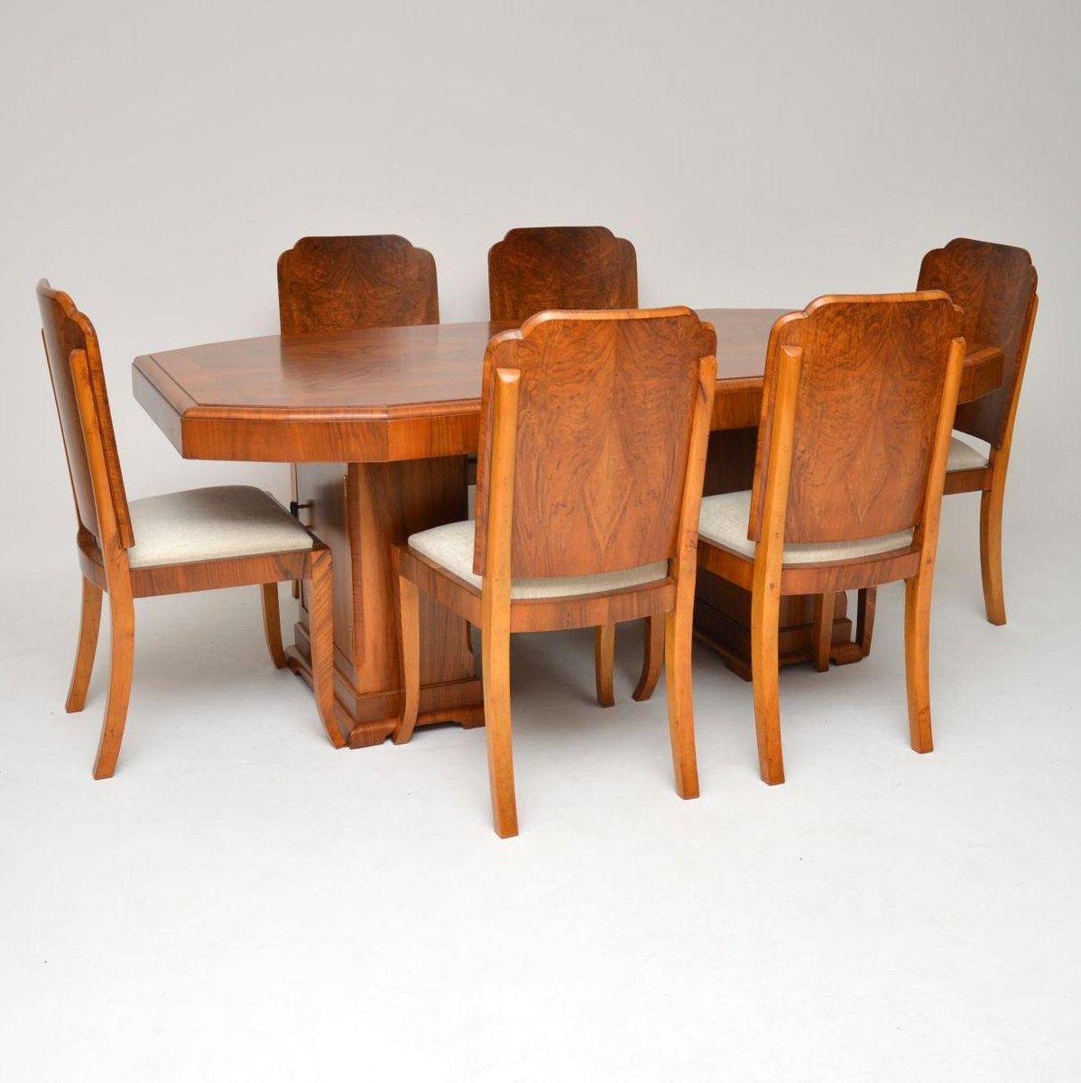 art deco essgruppe mit tisch und 6 st hlen aus nussholz. Black Bedroom Furniture Sets. Home Design Ideas
