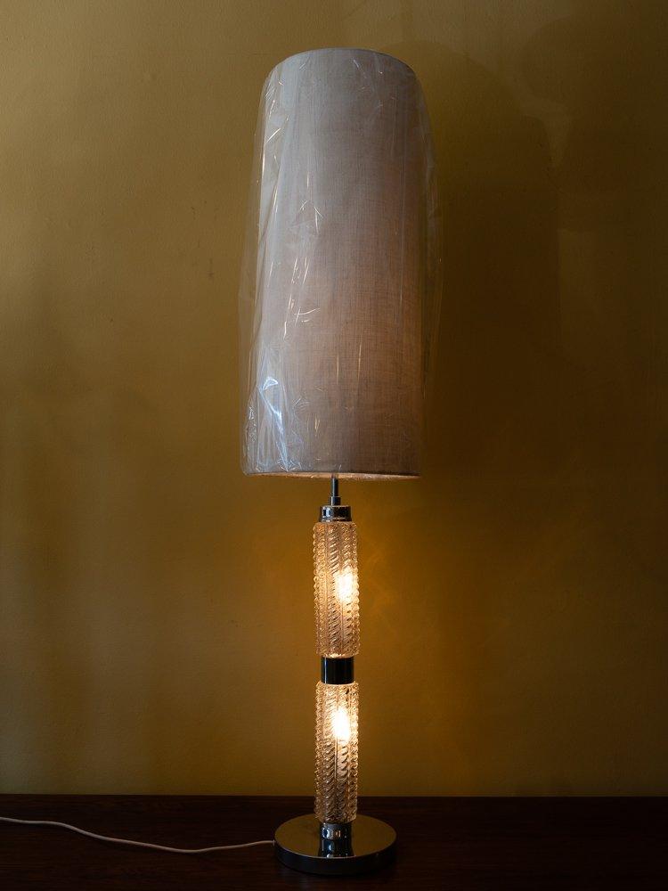 gro e tischlampe mit beleuchtetem glasfu von richard. Black Bedroom Furniture Sets. Home Design Ideas