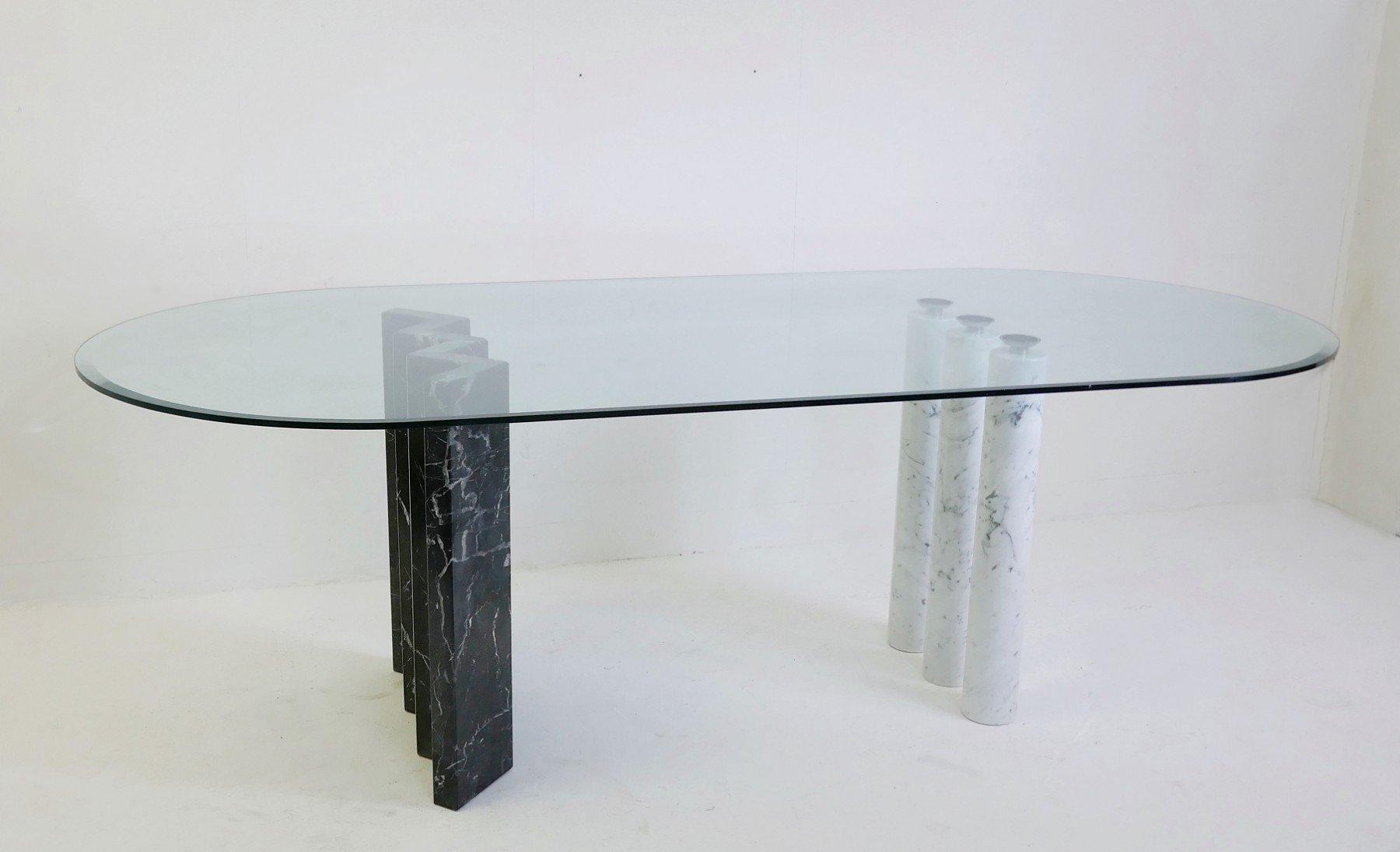 esstisch in schwarz wei mit marmorf en glasplatte. Black Bedroom Furniture Sets. Home Design Ideas