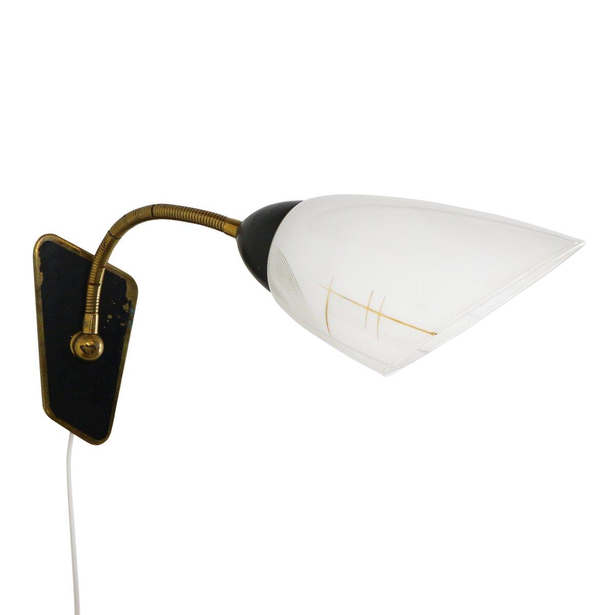 Wandlampe aus Messing & Milchglas, 1950er