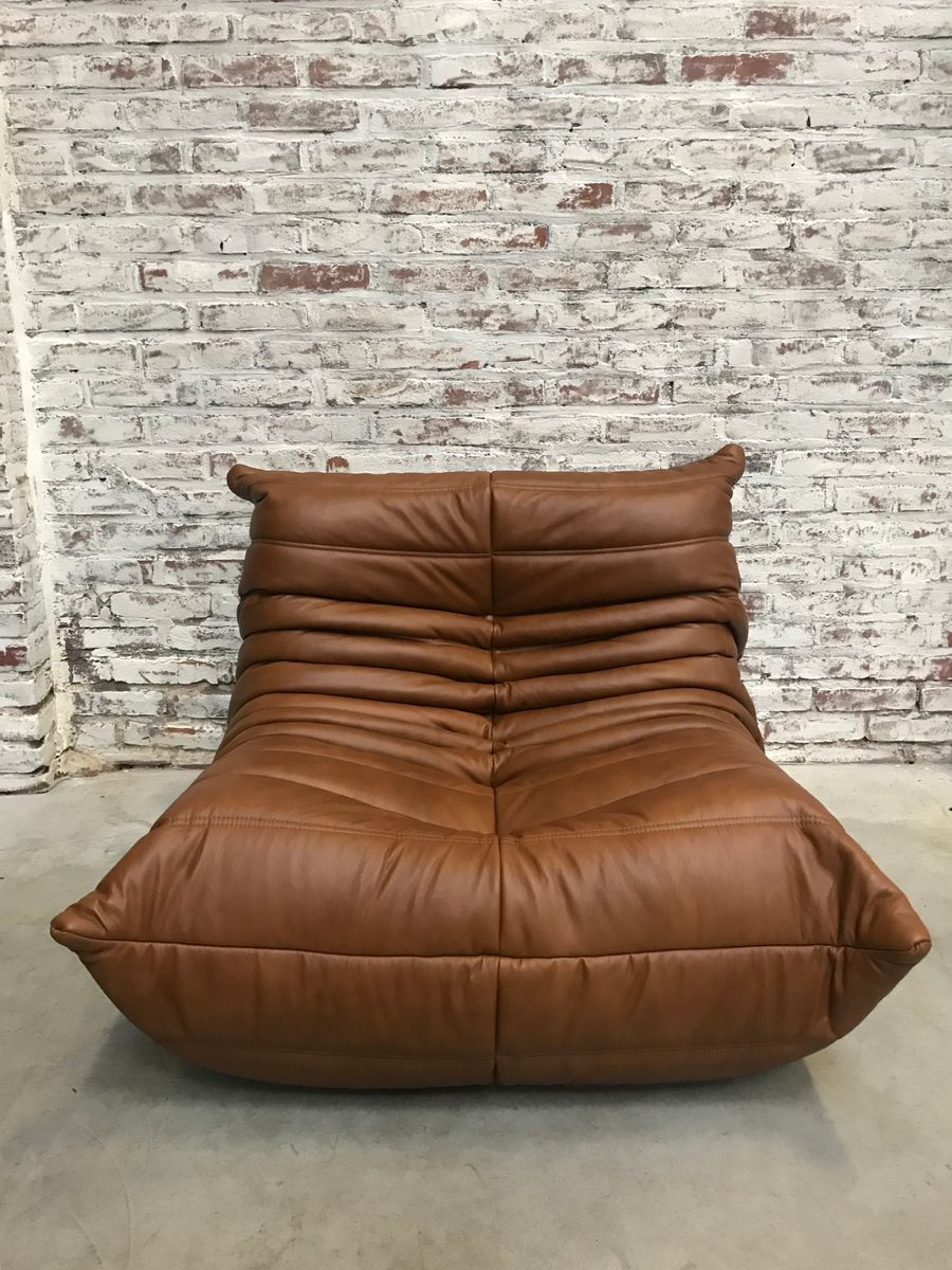 canap togo vintage en cuir par michel ducaroy pour ligne. Black Bedroom Furniture Sets. Home Design Ideas