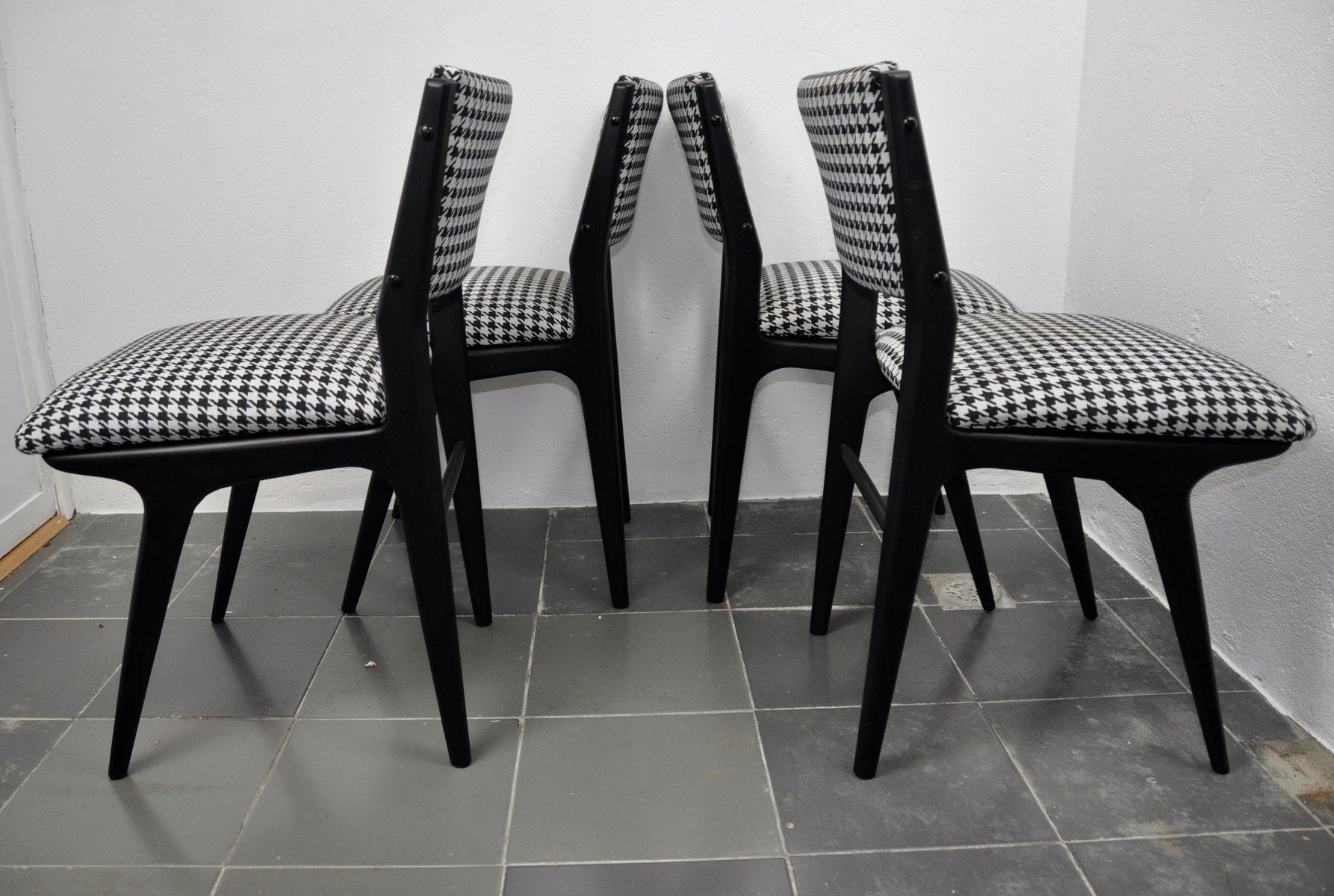 Dänische Schwarz Lackierte Stühle 1960er 4er Set Bei