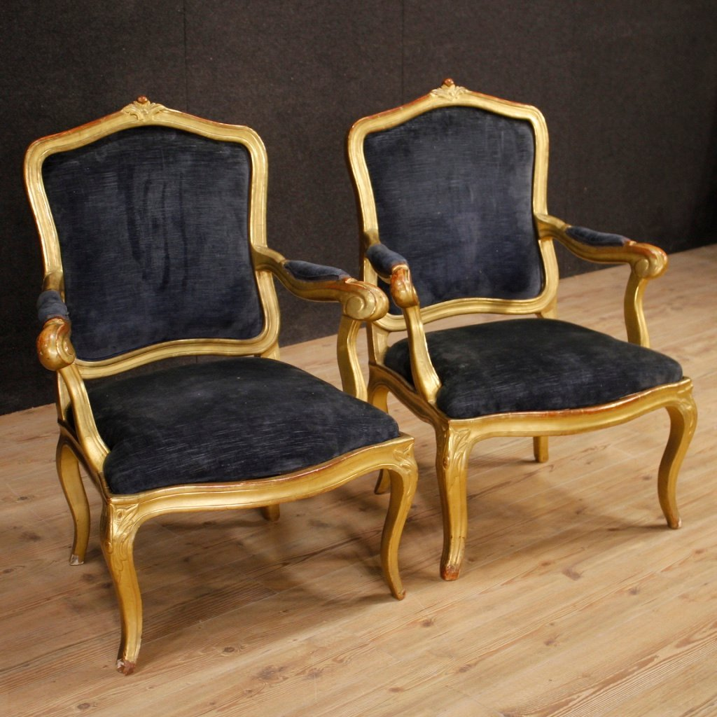 Italienische Sessel Aus Blauem Samt Goldfarbenem Holz