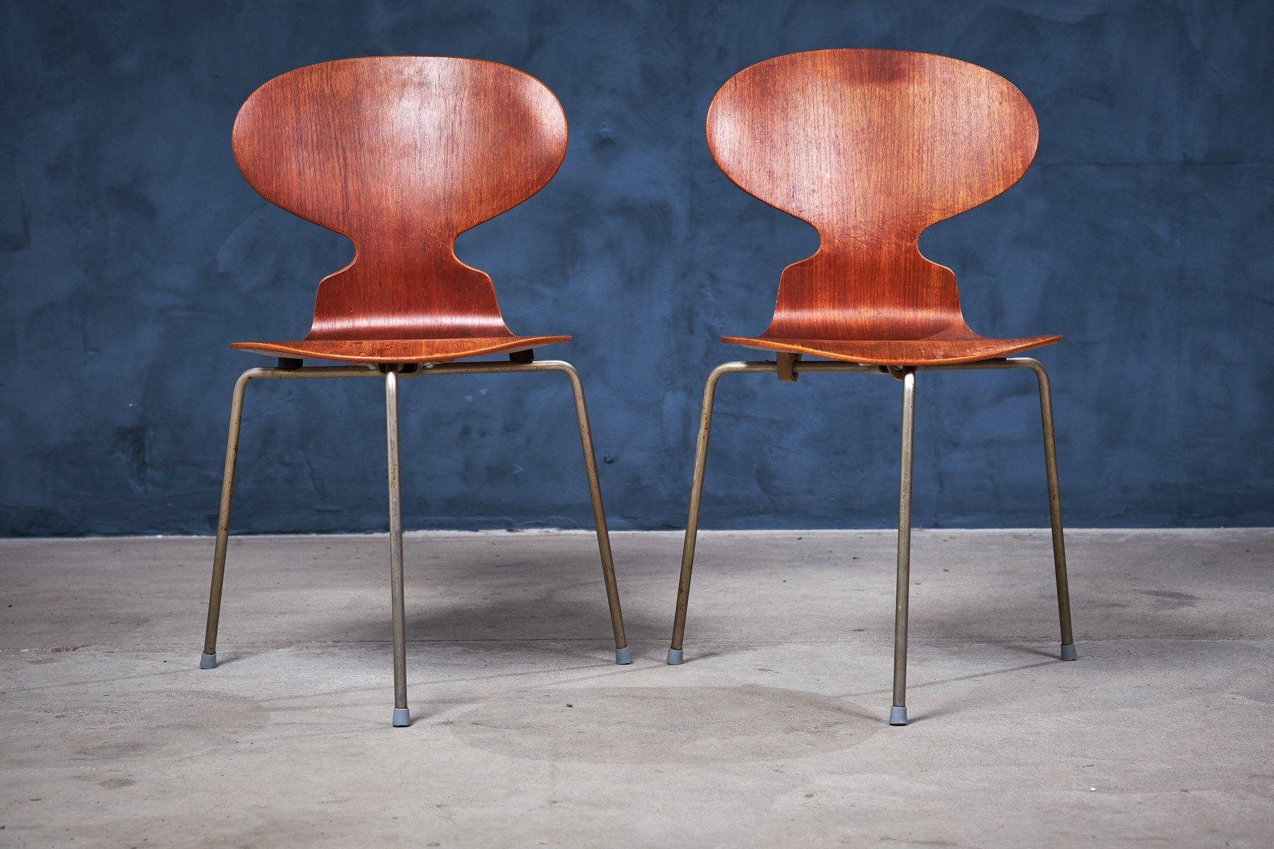Chaises ant 3 pieds par arne jacobsen pour fritz hansen 1960s set de 2 en vente sur pamono for Chaise 3 pieds