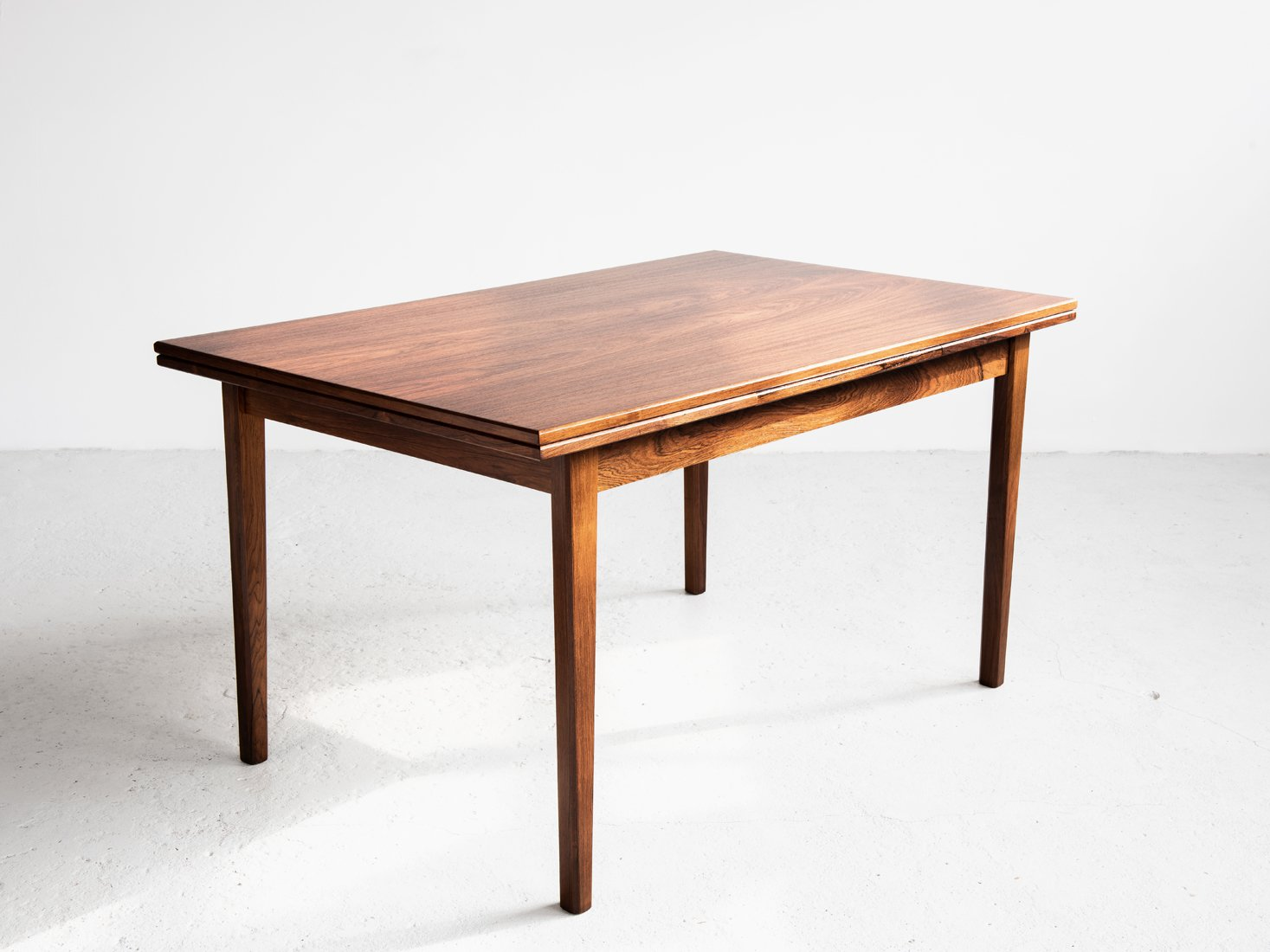 table de salle manger extensible mid century en palissandre danemark en vente sur pamono. Black Bedroom Furniture Sets. Home Design Ideas
