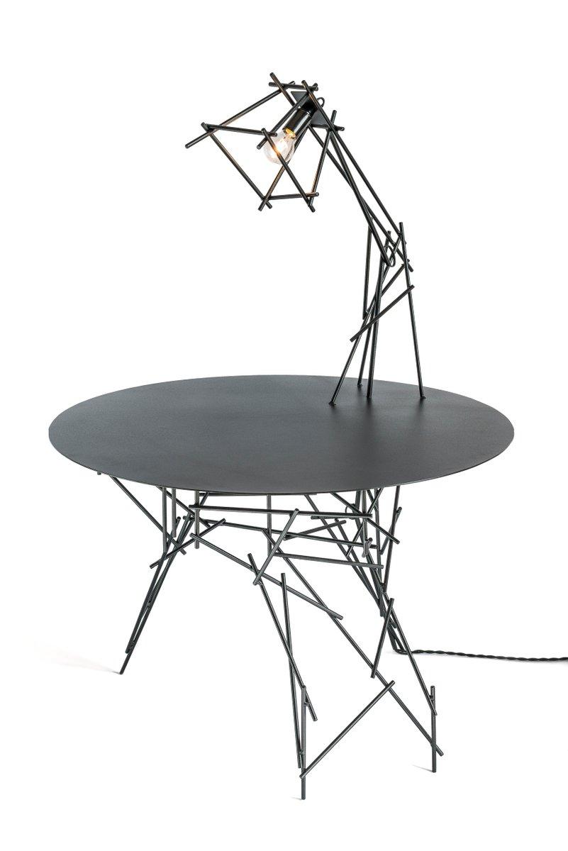 Sketched Lamp on Table Skulptur von Kiki Van Eijk & Joost Van Bleiswij...