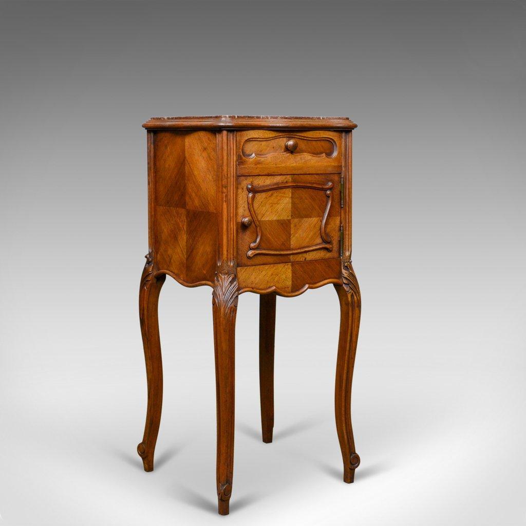 meuble de chevet antique en noyer et en marbre france. Black Bedroom Furniture Sets. Home Design Ideas