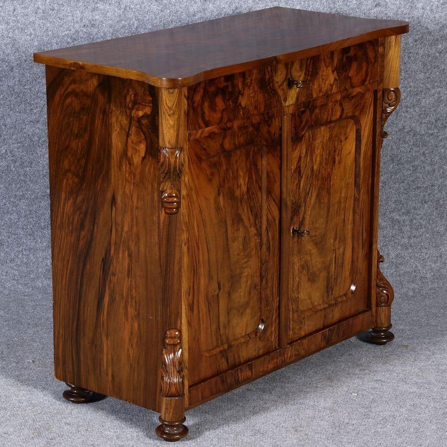 petite commode antique louis philippe en noyer en vente sur pamono. Black Bedroom Furniture Sets. Home Design Ideas