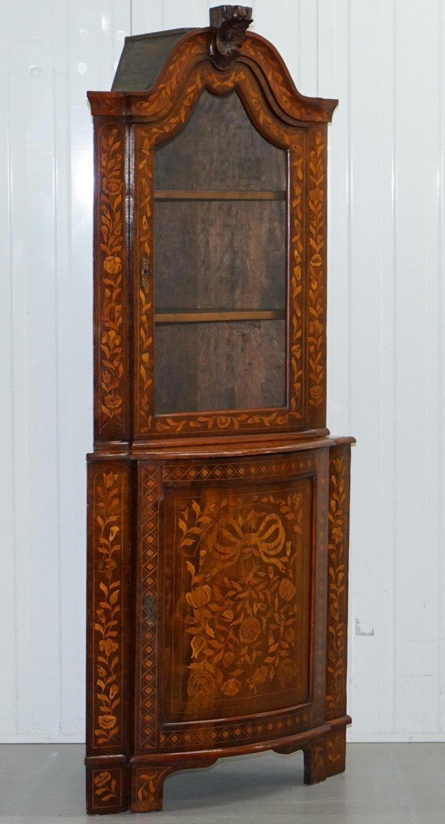 meuble d 39 angle en marqueterie de noyer pays bas 1780s en. Black Bedroom Furniture Sets. Home Design Ideas