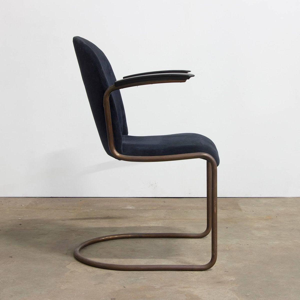 chaise d 39 appoint 413r vintage en cuivre et velours c tel. Black Bedroom Furniture Sets. Home Design Ideas
