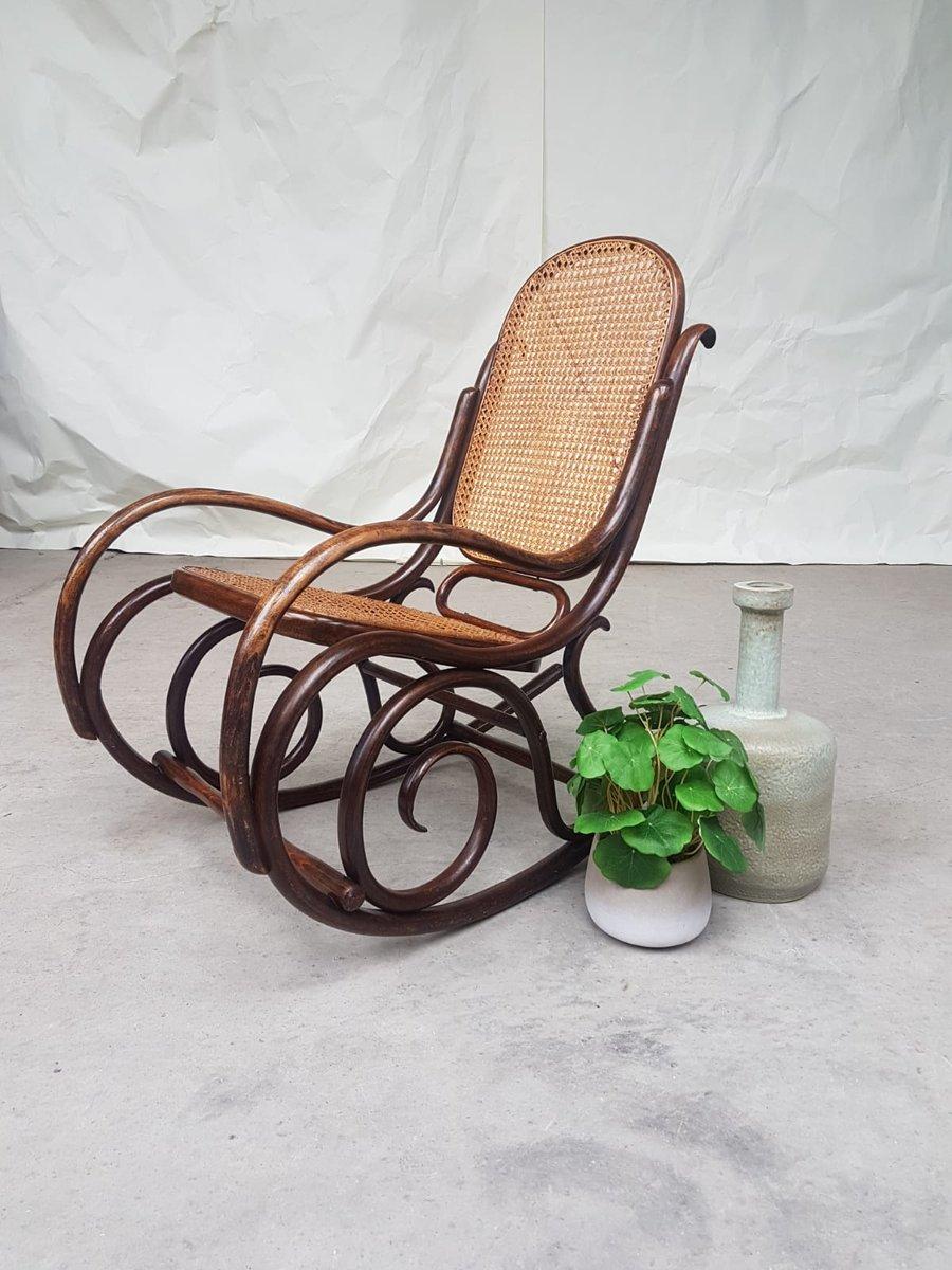 rocking chair antique en rotin et bois courb de fischel en vente sur pamono. Black Bedroom Furniture Sets. Home Design Ideas