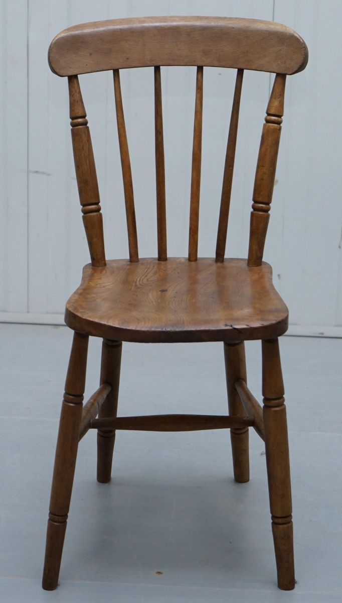 Antique Windsor Spindle Back Dining Chair bei Pamono kaufen