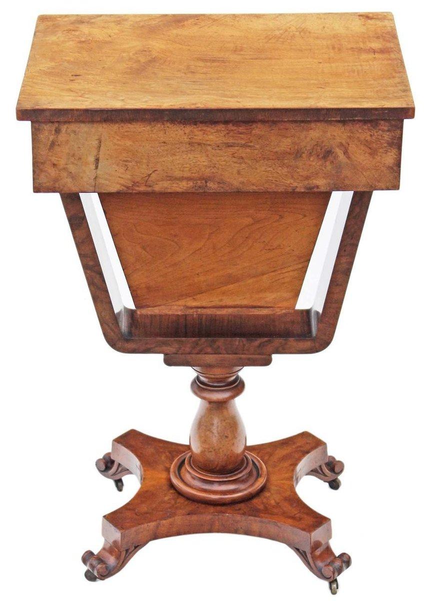 table de jeu ou de couture victorienne antique en noyer en. Black Bedroom Furniture Sets. Home Design Ideas