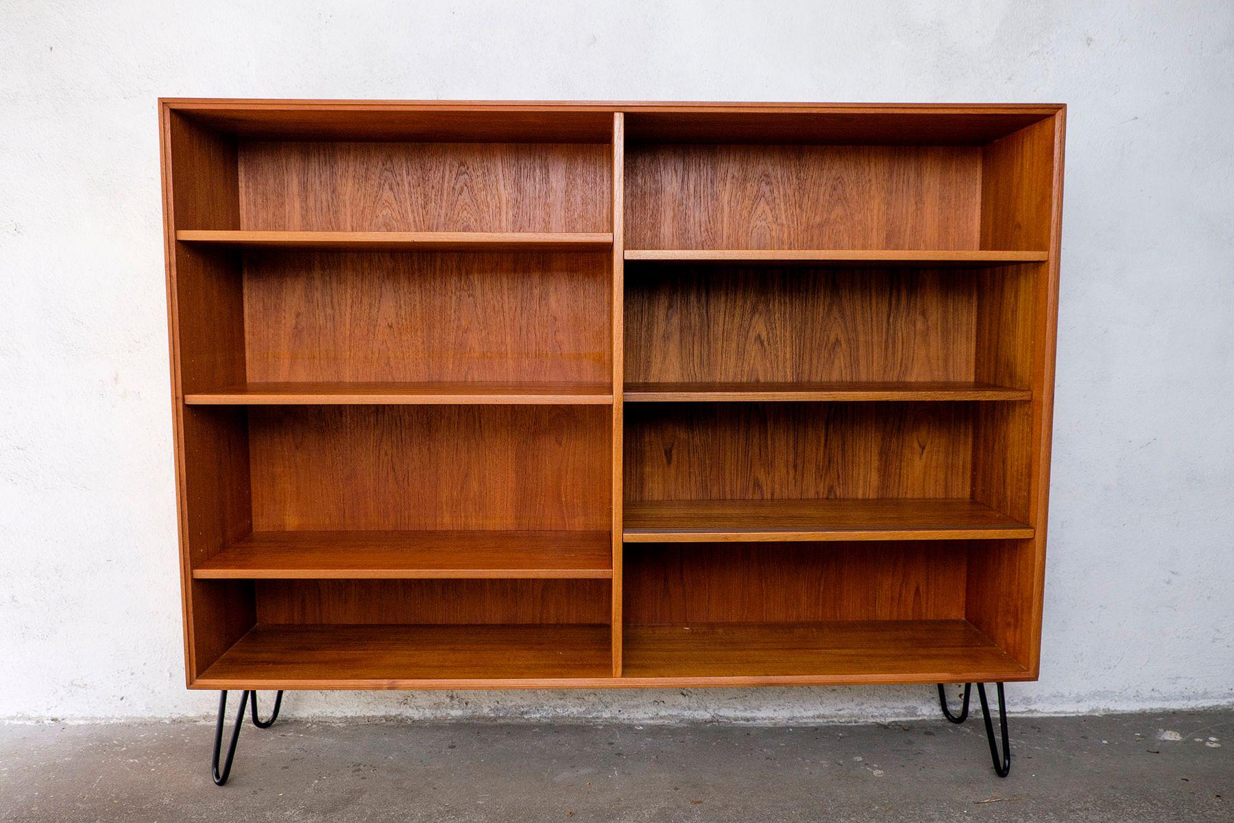 d nisches regal aus teak mit schiebet ren 1960er bei. Black Bedroom Furniture Sets. Home Design Ideas