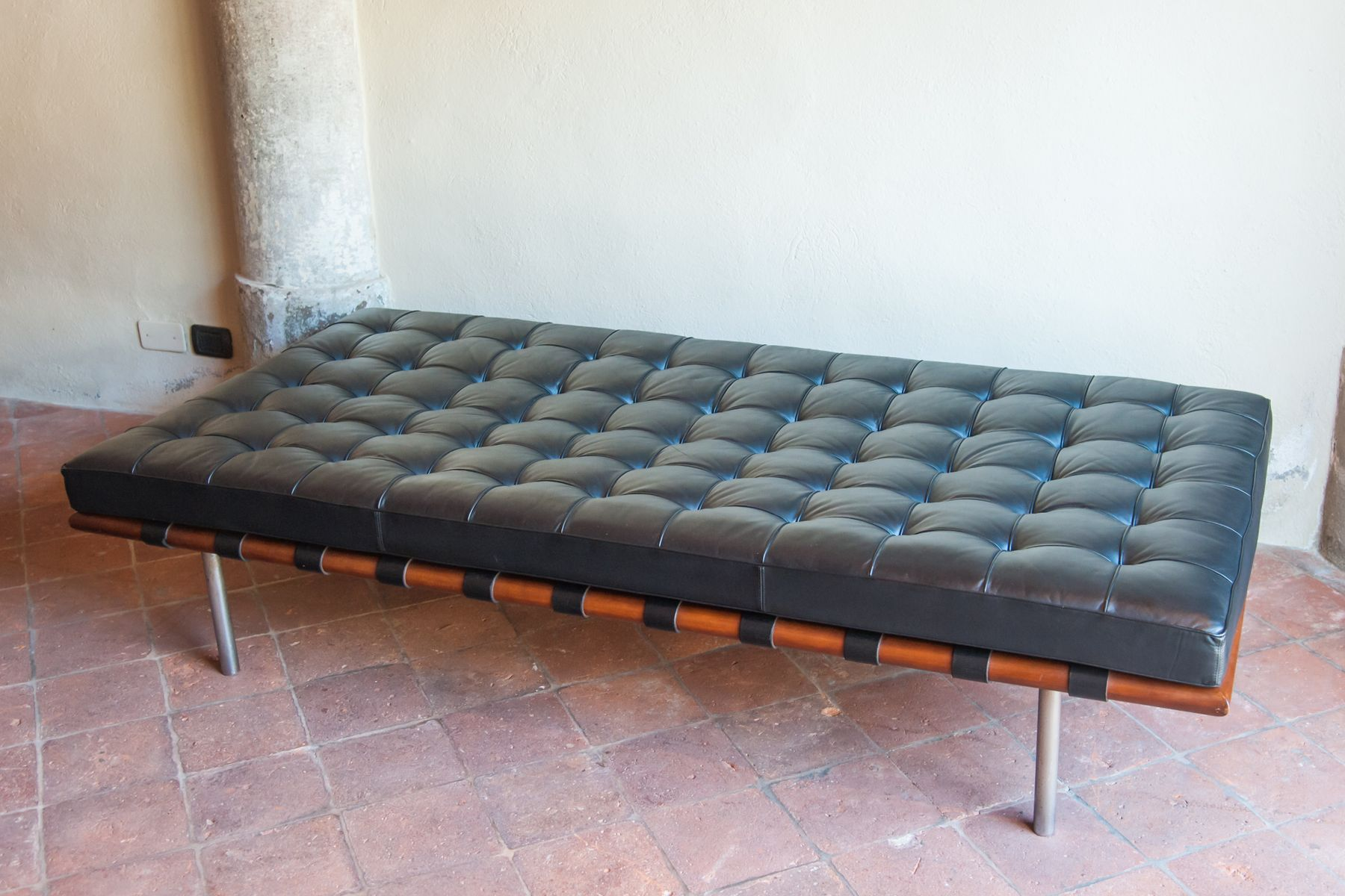 Vintage Daybed By Mies Van Der Rohe For Knoll For Sale At