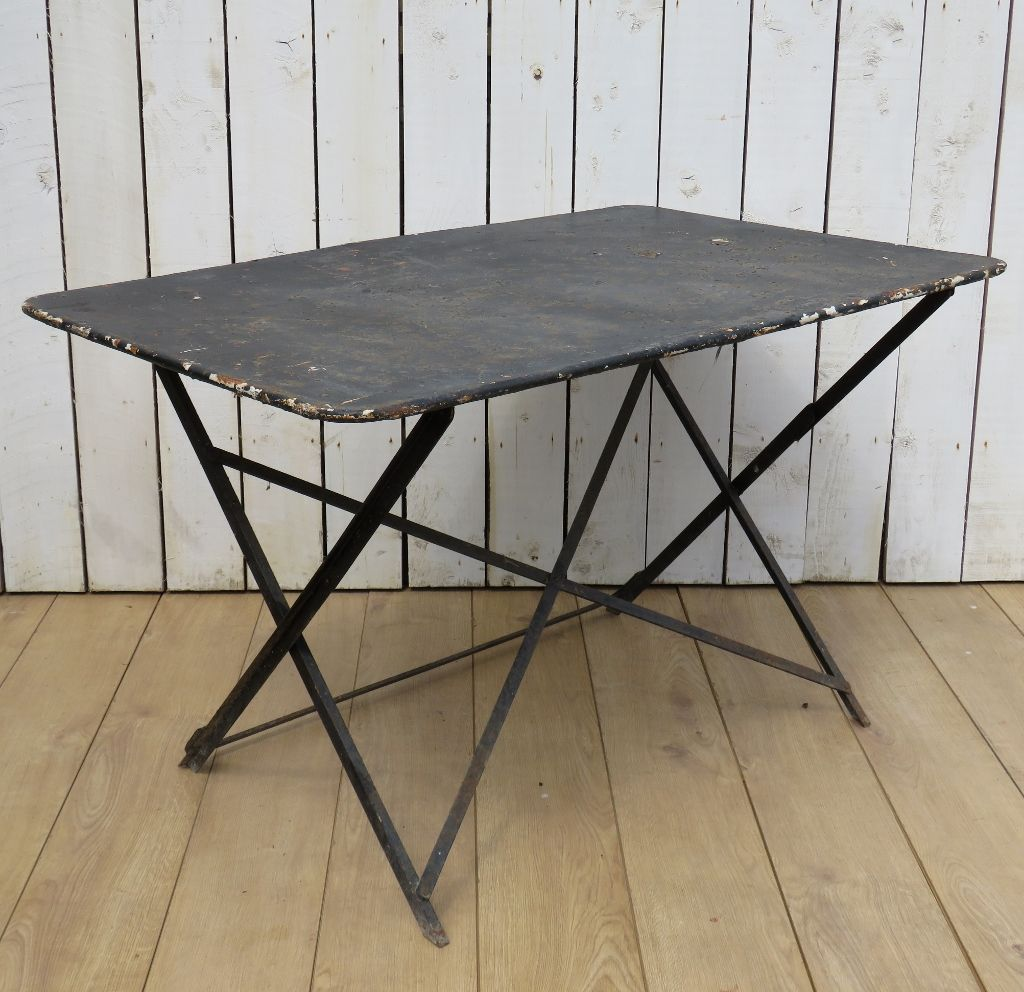 table de jardin bistro pliante vintage en vente sur pamono. Black Bedroom Furniture Sets. Home Design Ideas
