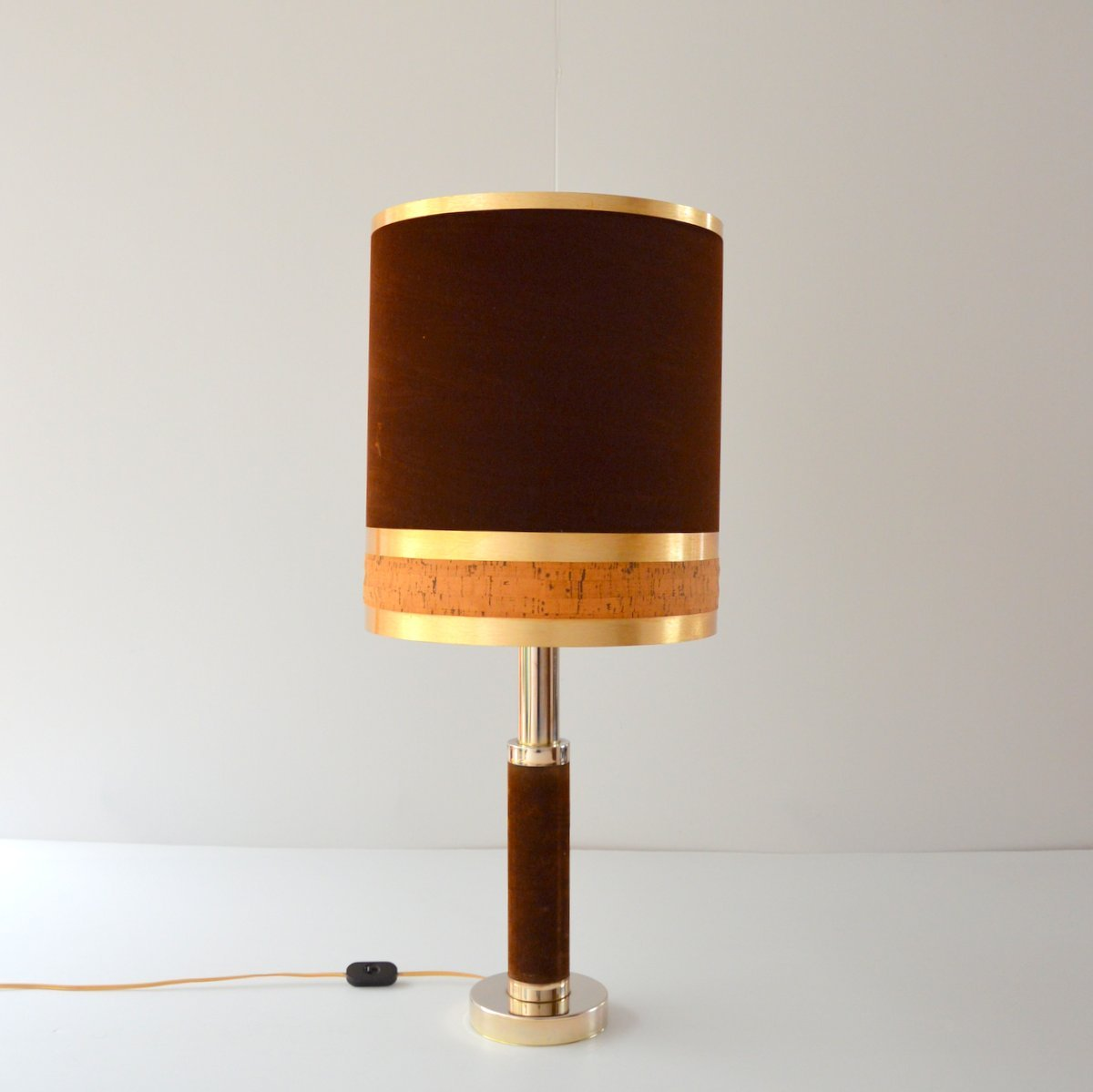 Tischlampe aus Samt, Kork & Messing, 1970er