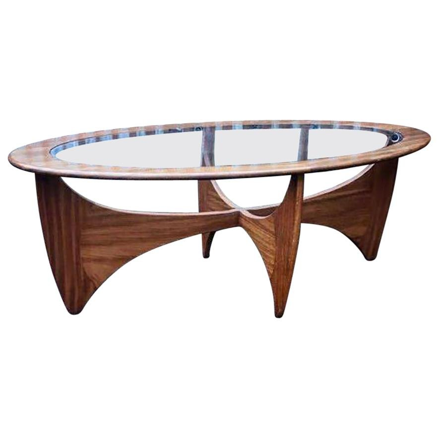 table basse astro ovale en teck avec plateau en verre par. Black Bedroom Furniture Sets. Home Design Ideas