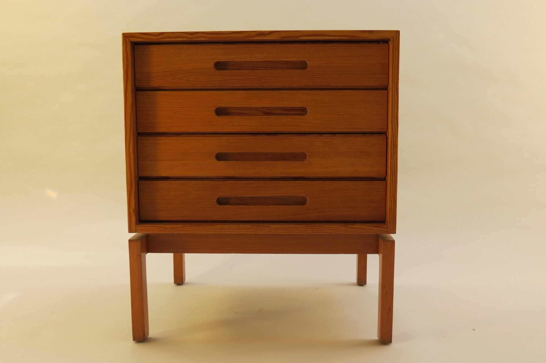 mid century kommode aus douglaskiefer 1970er bei pamono. Black Bedroom Furniture Sets. Home Design Ideas