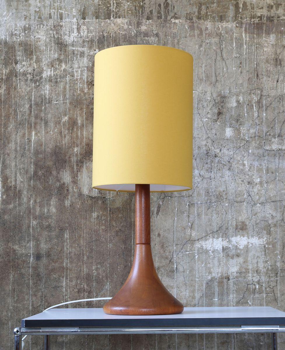 Dänische Vintage Tischlampe aus Teak von Dyrlund, 1970er