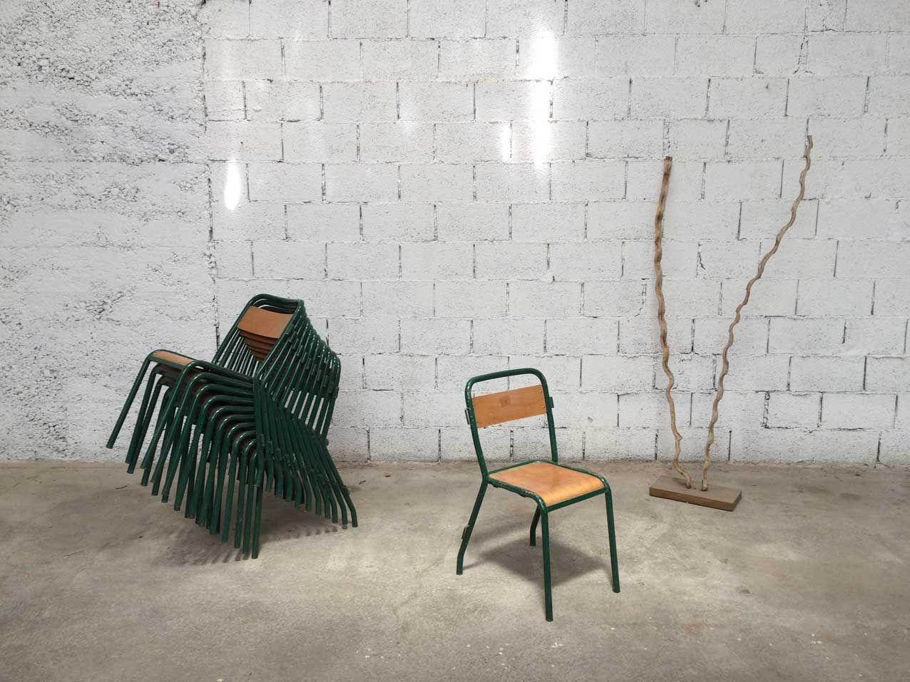 chaises de salle manger industrielles vintage de tolix. Black Bedroom Furniture Sets. Home Design Ideas