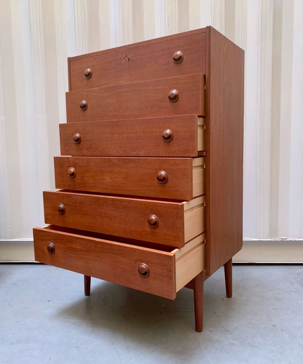 hohe mid century kommode aus teak von kai kristiansen f r. Black Bedroom Furniture Sets. Home Design Ideas