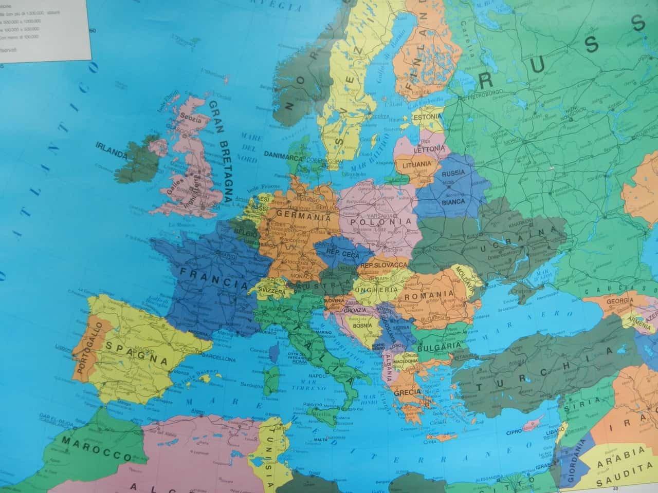 Cartina Geografica Europa Da Stampare.Carta Geografica Dell Europa Di Maniffatura Del Tiguglio Anni 80 In Vendita Su Pamono