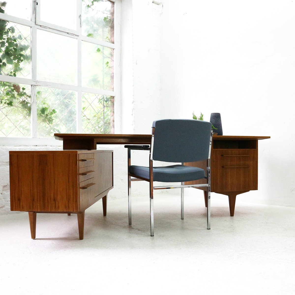 mid century german walnut desk from wk m bel 1960s for. Black Bedroom Furniture Sets. Home Design Ideas