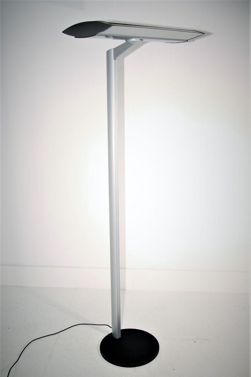 E16 Stehlampe, 1990er