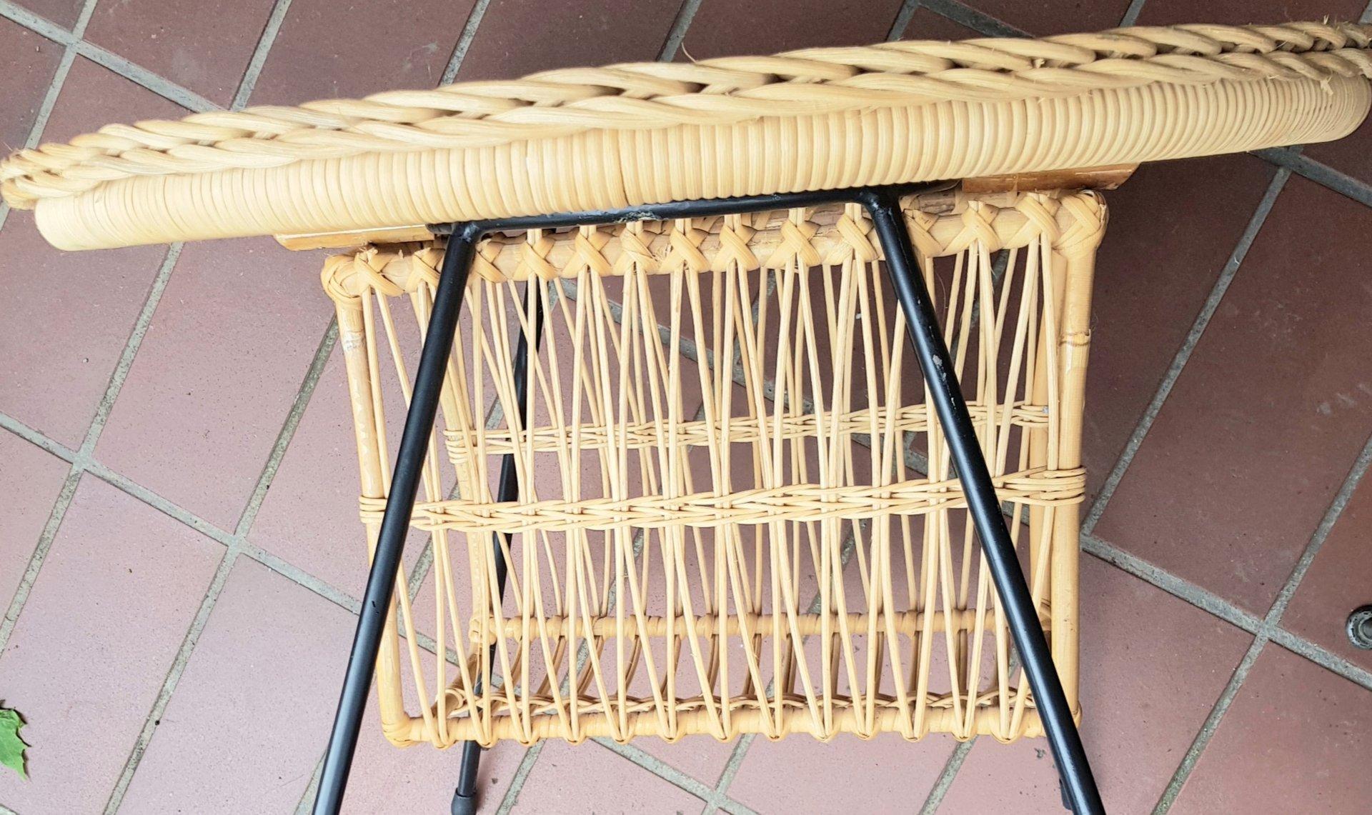 Italienisches Korbgeflecht Stühle Und Tisch 1960er Bei