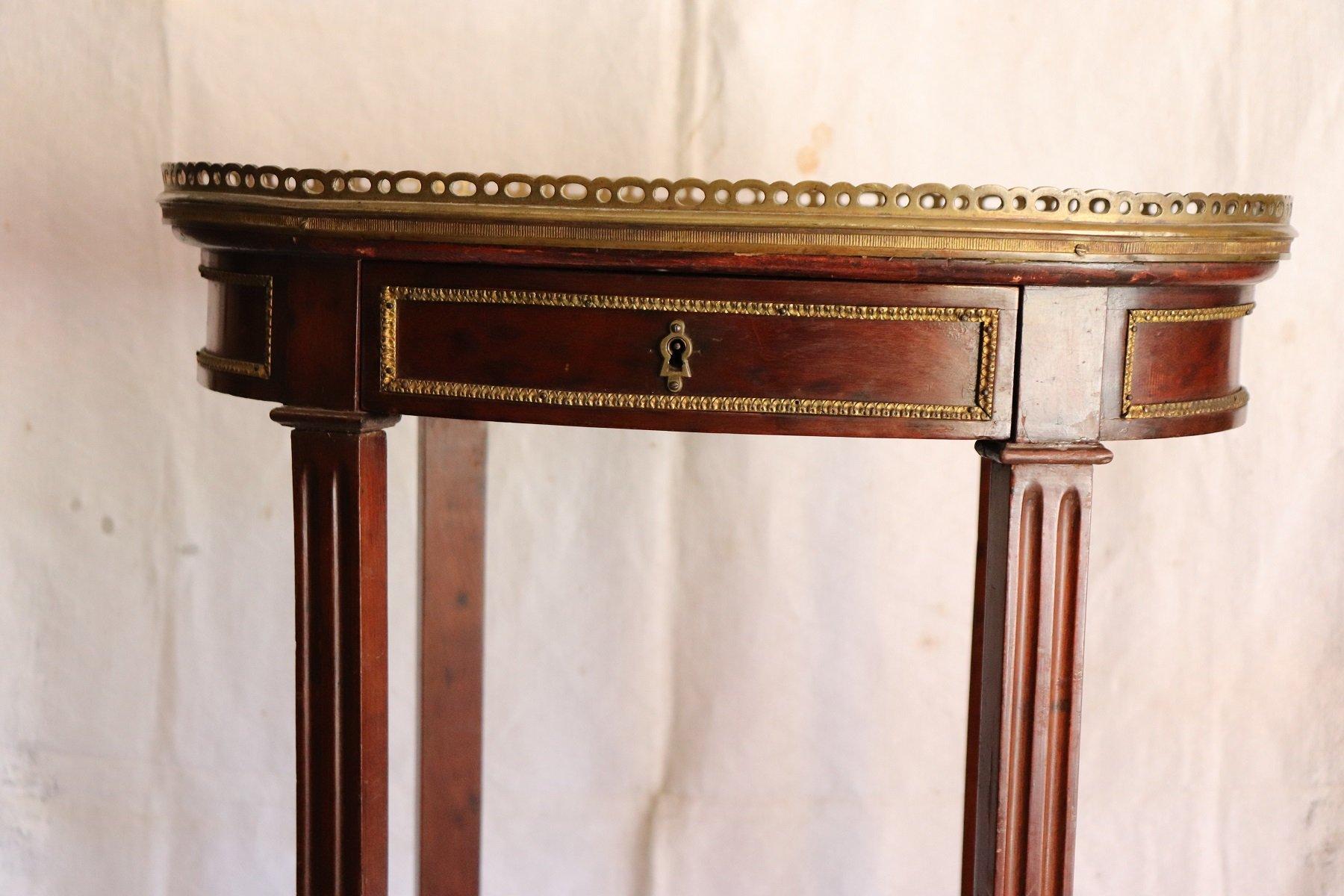 Tavolino antico in mogano e bronzo dorato con ripiano in ...