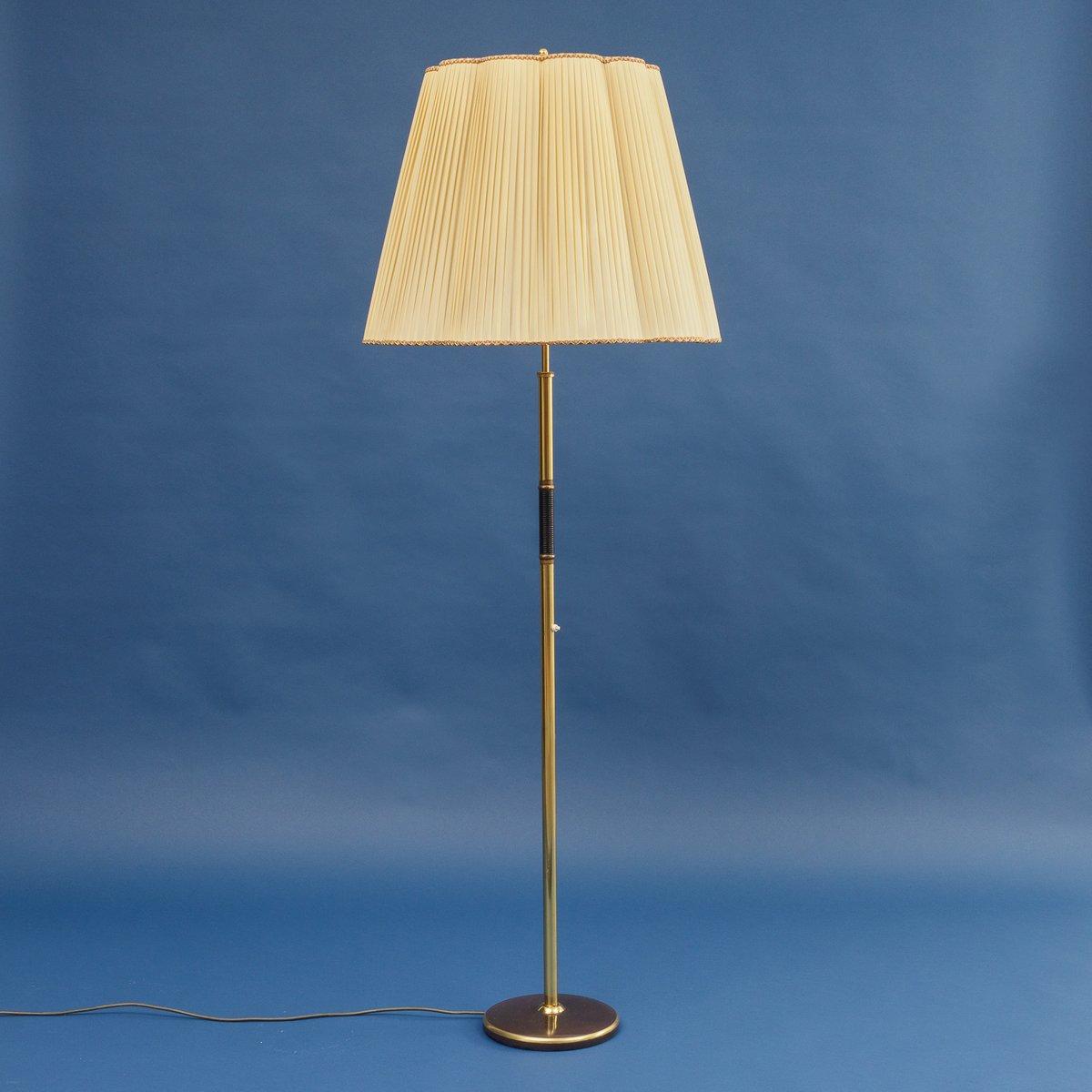 Mid Century Stehlampe Aus Messing Stoff 1950er Bei Pamono Kaufen