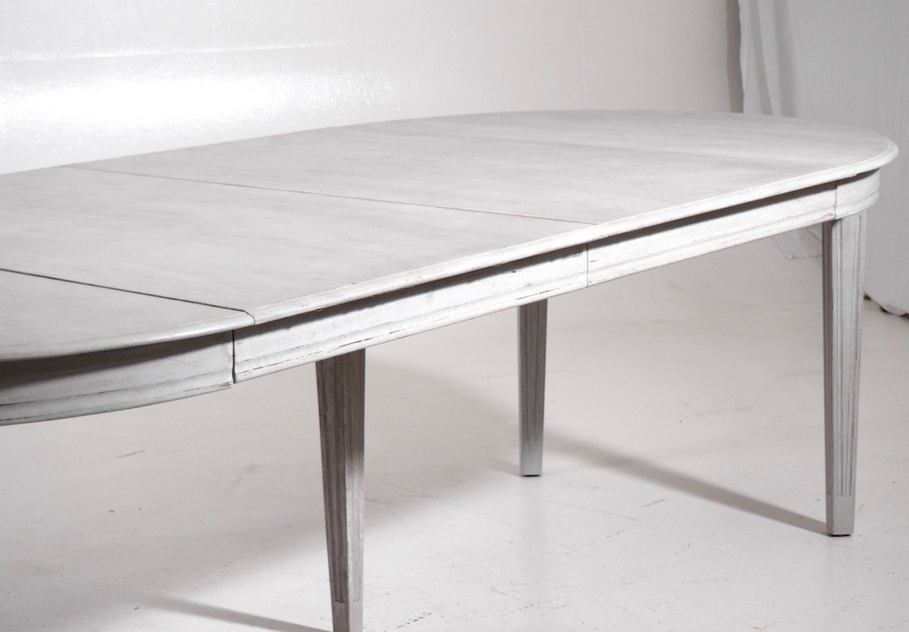 Antikes Gustavianisches Set Mit Esstisch & Stühlen Bei