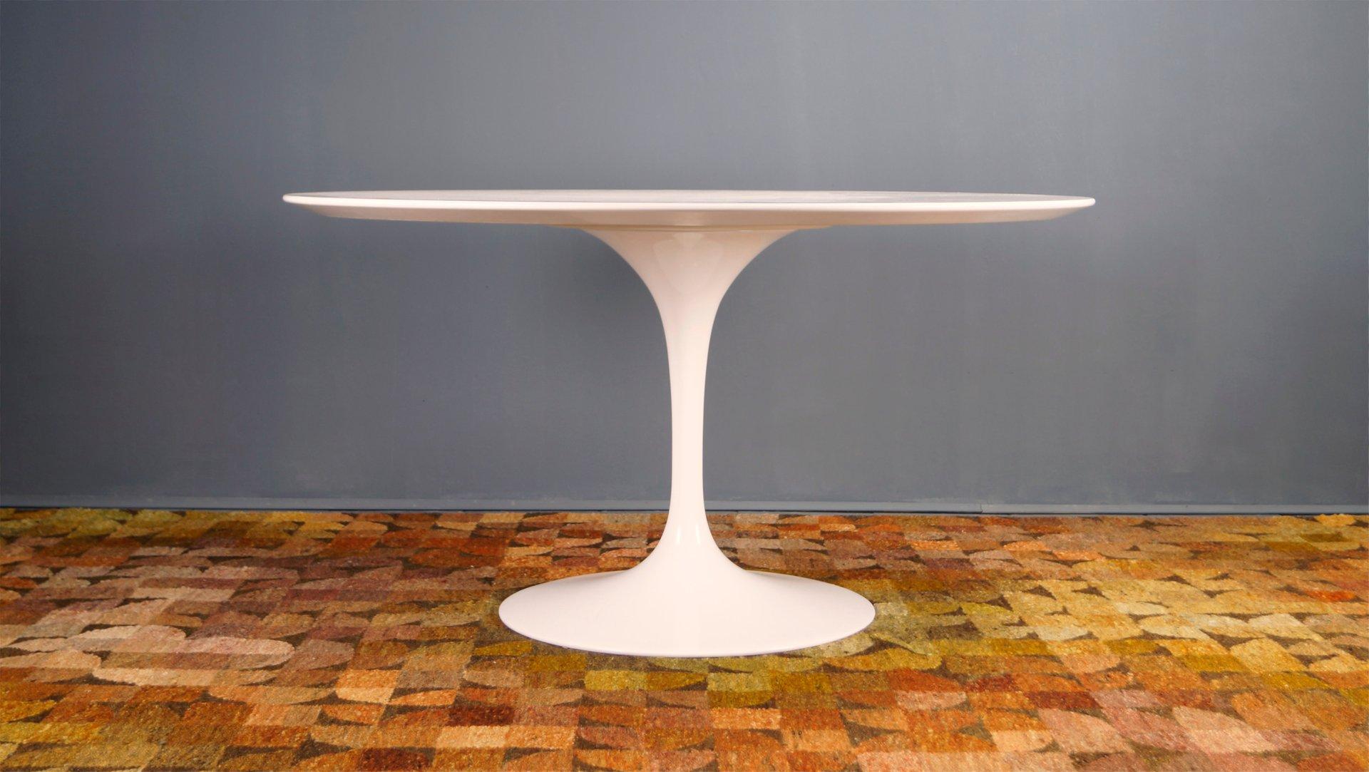 Tavolo da pranzo Tulip e sedie di Eero Saarinen per Knoll ...