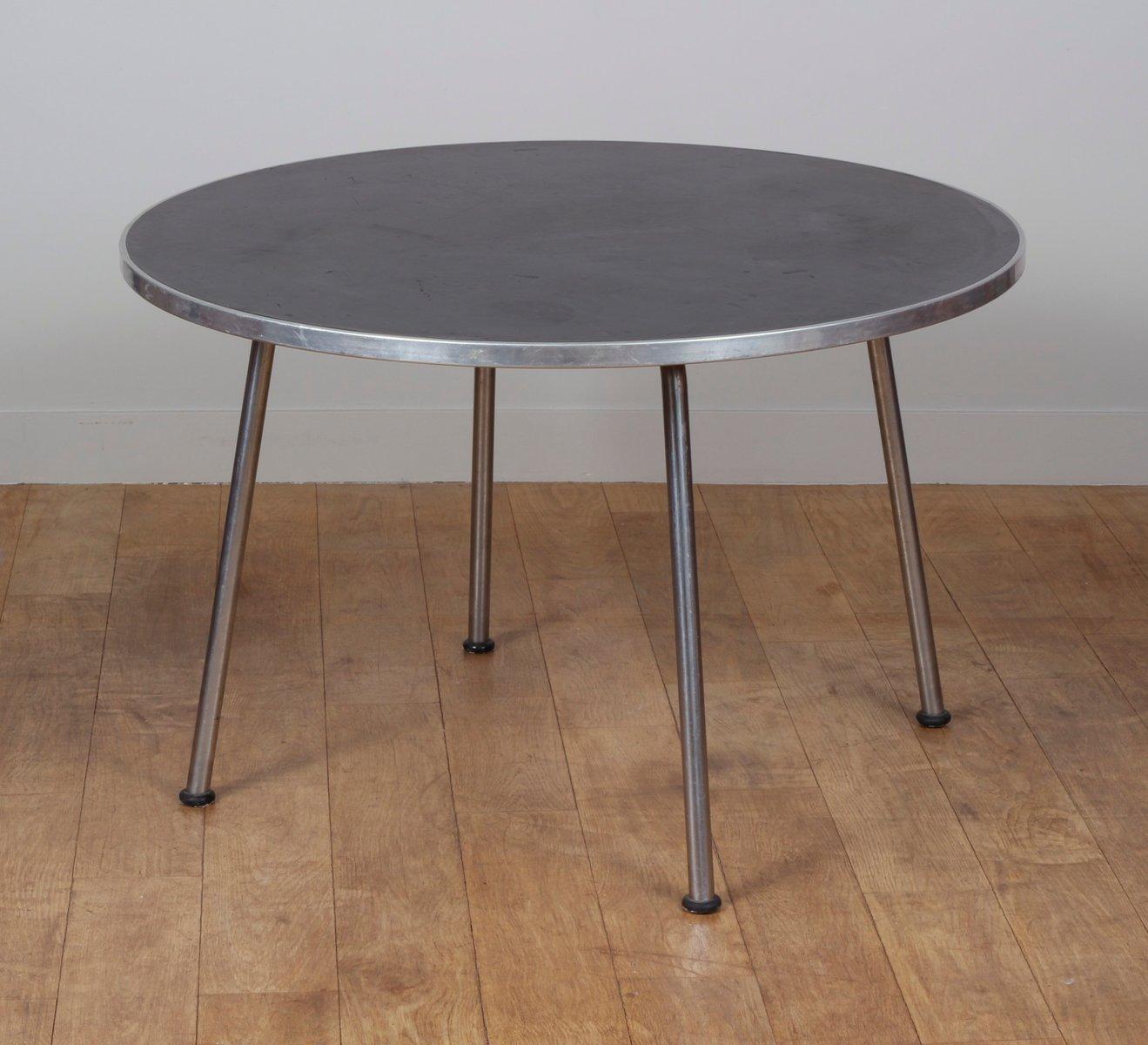 runder holz und metall tisch von gispen 1960er bei pamono. Black Bedroom Furniture Sets. Home Design Ideas