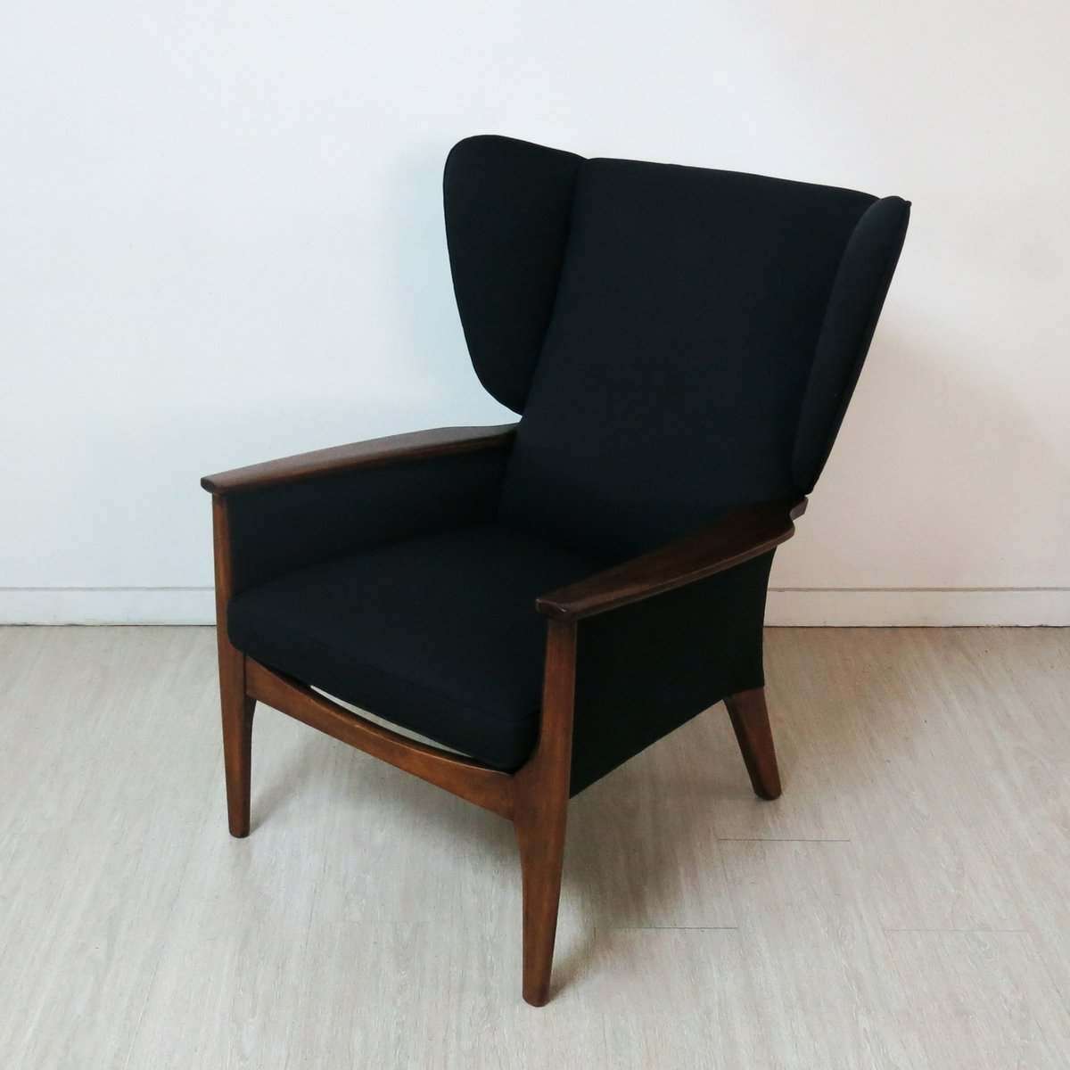 Attrayant Vintage Wingback Chair From Parker Knoll, 1960s