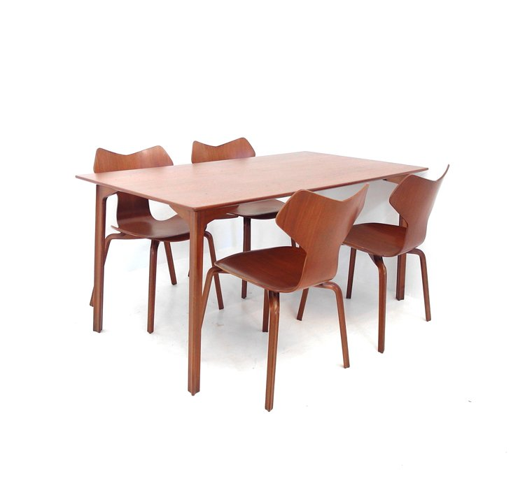 Grand Prix Dining Table By Arne Jacobsen For Fritz Hansen 1960