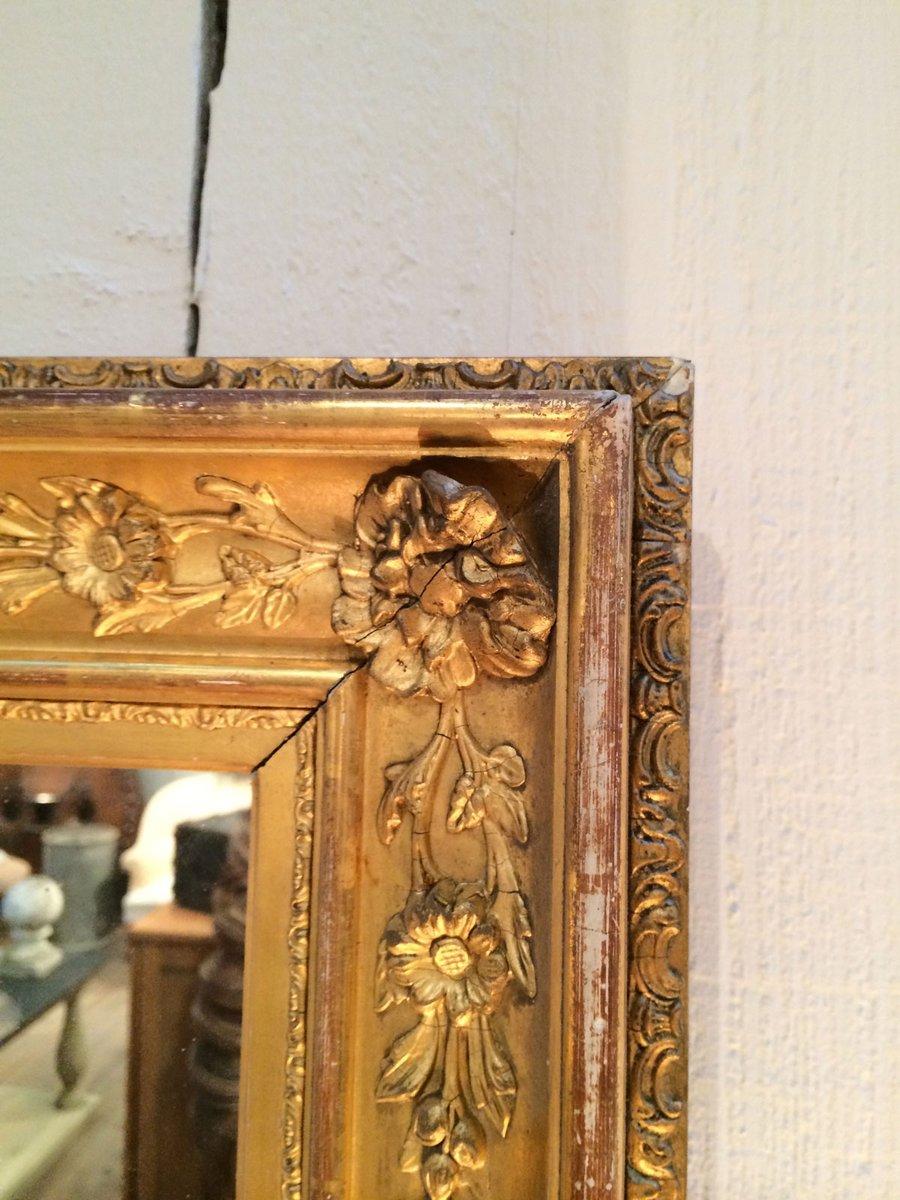 Specchio antico dorato con cornice in legno in vendita su pamono - Specchio dorato antico ...