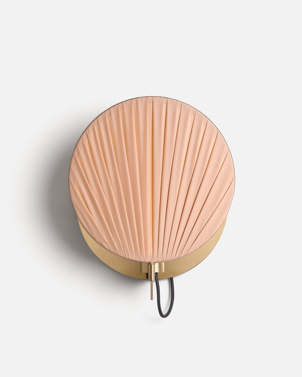 Guinea Wall Lamp #4 in Pink by Servomuto