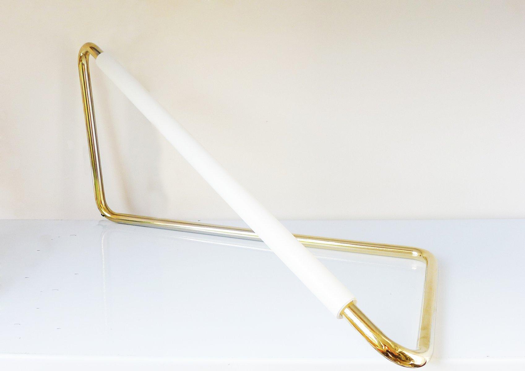 Gold Light Object 001 von Naama Hofman