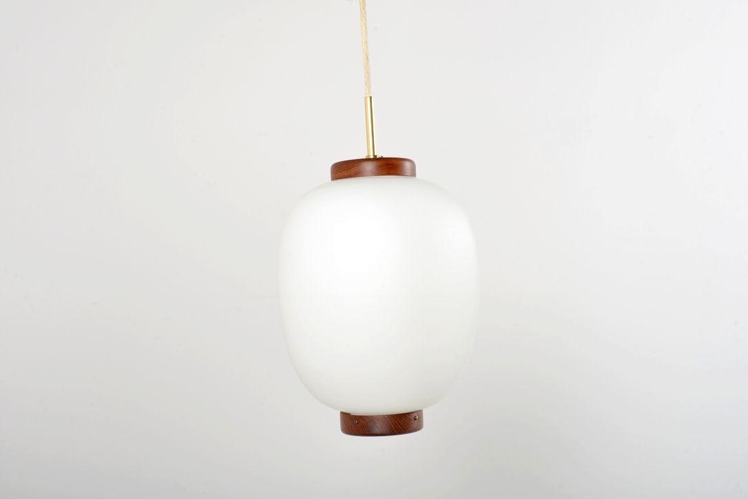 Kina Opalglas Hängeleuchte von Bent Karlby für Lyfa