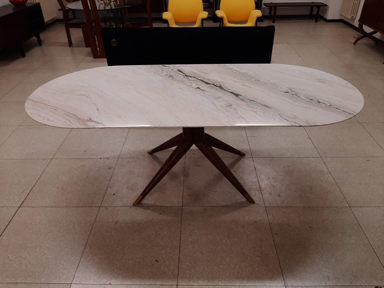Tavolo Da Pranzo In Legno Massiccio E Ottone Con Ripiano In Marmo Bianco Anni 50 In Vendita Su Pamono